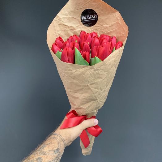 Букет из 19 Ред тюльпанов