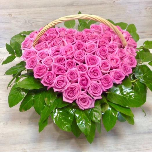 Сердце из 51 розовой розы: букеты цветов на заказ Flowwow