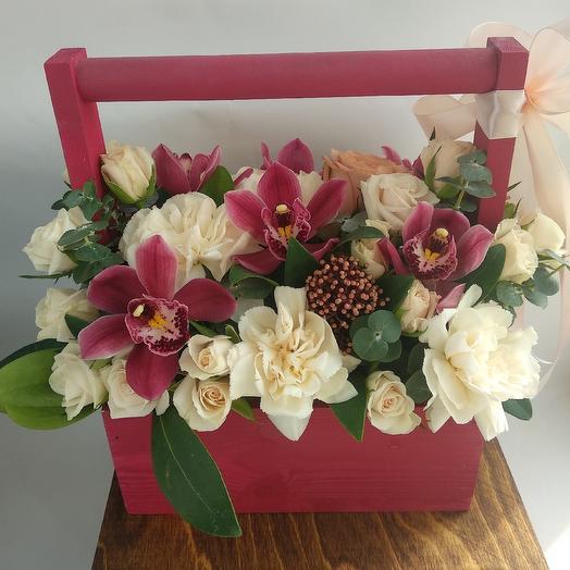 Ящик с орхидеями: букеты цветов на заказ Flowwow