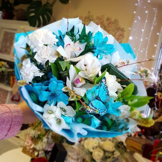 Небесно-голубой: букеты цветов на заказ Flowwow