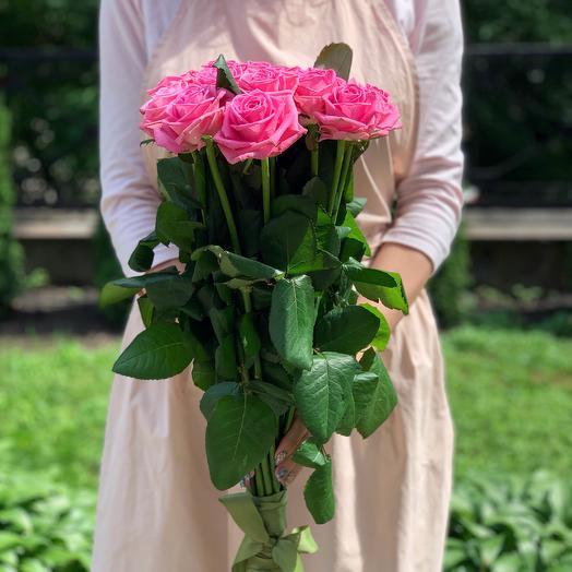 Букет из 21 розовой местной розы 70 см: букеты цветов на заказ Flowwow