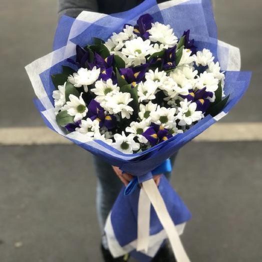 Букет С хризантемами и ирисами: букеты цветов на заказ Flowwow