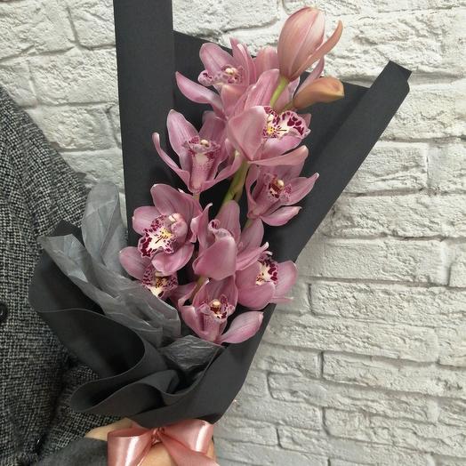 Красавица орхидея в стильной упаковке: букеты цветов на заказ Flowwow