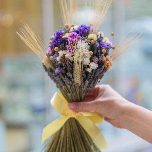 Кучерявый с пшеницей: букеты цветов на заказ Flowwow