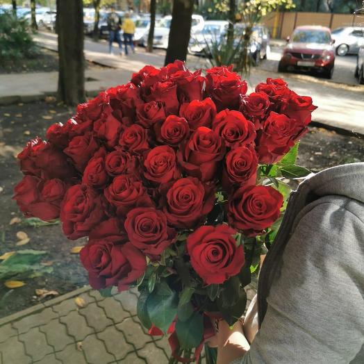 Роза Люкс Красная: букеты цветов на заказ Flowwow