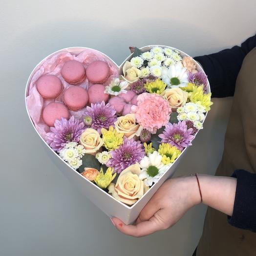 Коробка в форме сердца: букеты цветов на заказ Flowwow