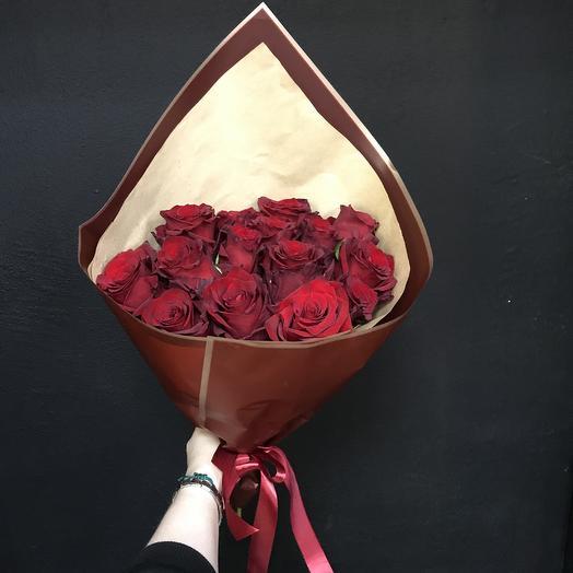 Роза в упаковке: букеты цветов на заказ Flowwow