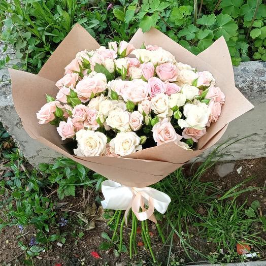 Монобукет из кустовых роз: букеты цветов на заказ Flowwow