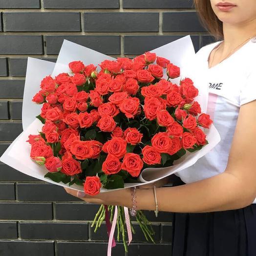 Букет из кустовых роз Ред Фреш