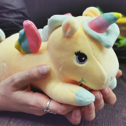 Пони S желтый