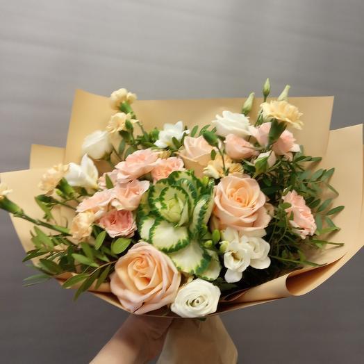 Кремовые Розы и Брассика