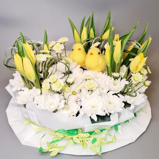Композиция из 15 тюльпанов и хризантем
