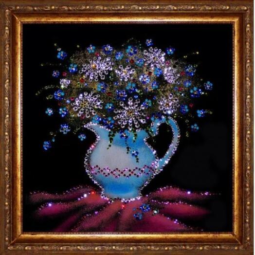 """Картина с кристаллами Swarovski """"Незабудки с ромашками в золоченом багете"""""""