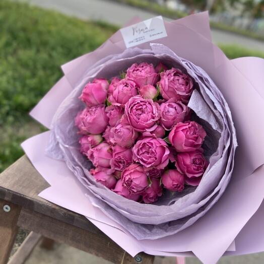 Букет-комплимент с пионовидные розами