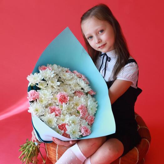 Букет из хризантем и гвоздик к 1 сентября