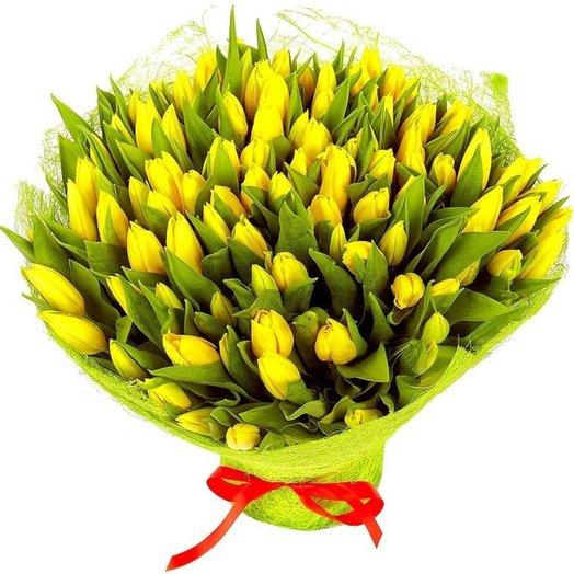 101 тюльпан Луч солнца: букеты цветов на заказ Flowwow