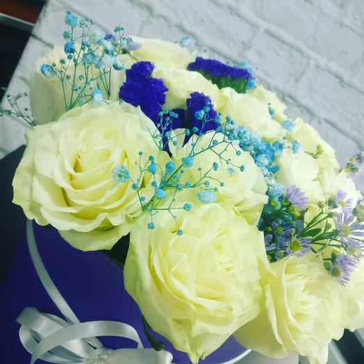 Композиция в шляпной коробке: букеты цветов на заказ Flowwow