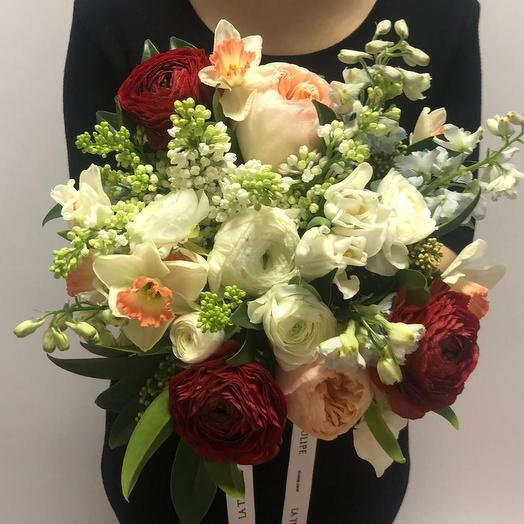 Сирень и Ранункулюсы: букеты цветов на заказ Flowwow