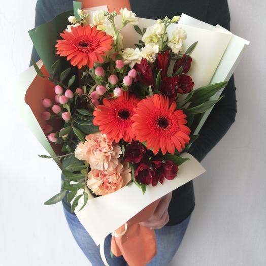 """Авторский букетик из гермини, гиперикума, маттиолы """"Агния """": букеты цветов на заказ Flowwow"""
