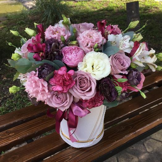 Коробка «Черничное мороженое»: букеты цветов на заказ Flowwow