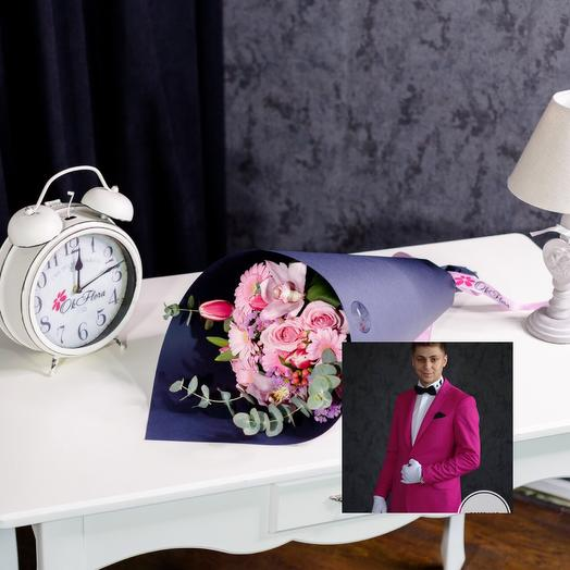 Авторский розовый микс с эффектной доставкой: букеты цветов на заказ Flowwow