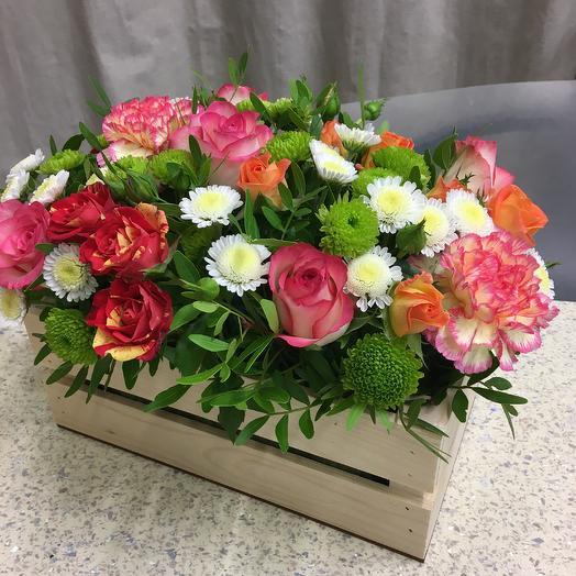 Композиция в деревянном ящичке «Калейдоскоп»: букеты цветов на заказ Flowwow