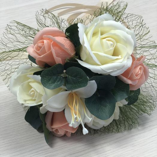 Свадебный букет розы и лилия