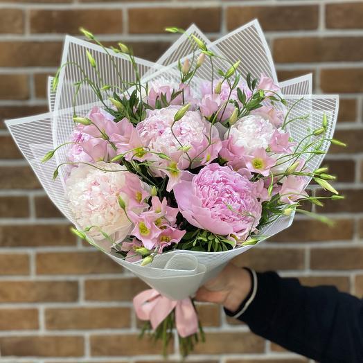 Букет пионов и эустом сорта Ботаника: букеты цветов на заказ Flowwow