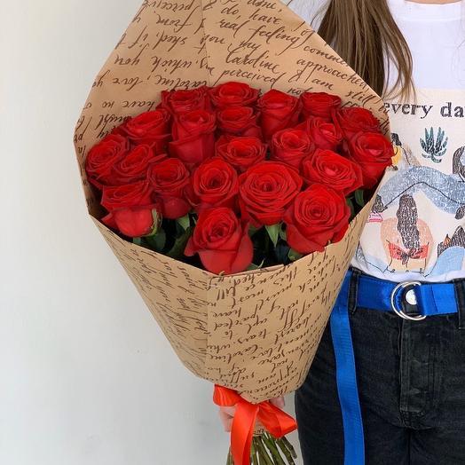 19 красных роз (60см)