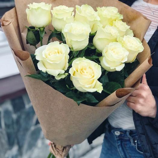 Букет из 11 белых роз премиум 60 см
