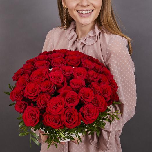 51 красная роза в корзинке