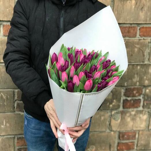 Букет розово-фиолетовых Тюльпанов