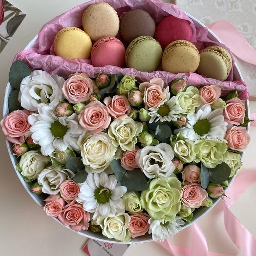 Цветы в коробке ( диаметр 25см.)