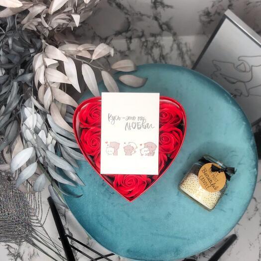 """Подарок для милой девушки, мыльные розы в коробке """"Сердце"""""""