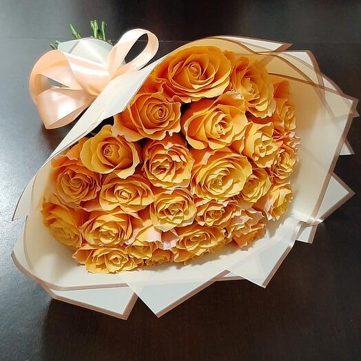25 роз КАРПЕ ДИЕМ