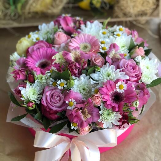 Цветочная коробка с ромашками