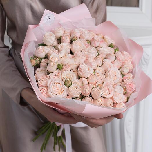 Букет из 21 кустовой пионовидной розы