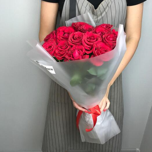 Букет из 15 красных роз