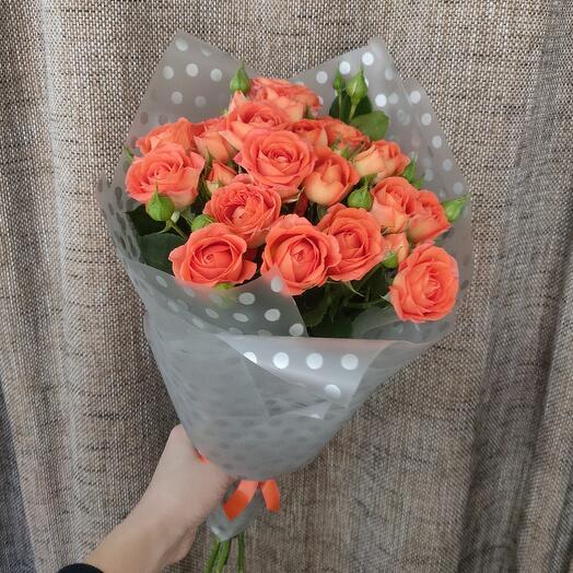 5 оранжевых кустовых роз