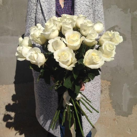Букет из 25 белых роз 70 см: букеты цветов на заказ Flowwow