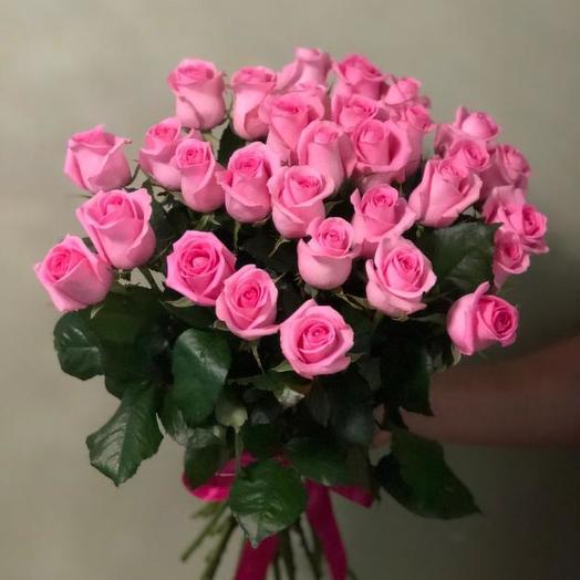 Букет из 31 розовой местной розы 80 см: букеты цветов на заказ Flowwow
