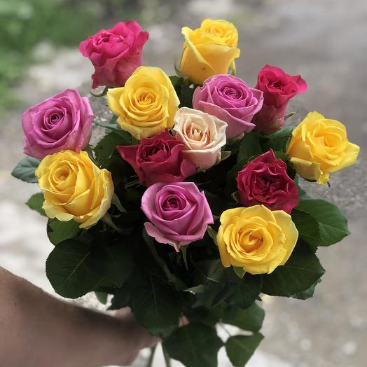 Букет из 13 разноцветных роз 50 см: букеты цветов на заказ Flowwow