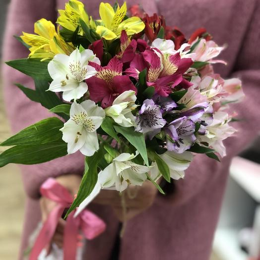 Букет из 7 разноцветных альстромерий: букеты цветов на заказ Flowwow