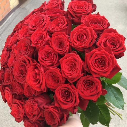 Букет из 45 красных голландских роз 60 см: букеты цветов на заказ Flowwow