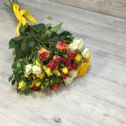 Букет из 7 разноцветных кустовых роз 60 см: букеты цветов на заказ Flowwow