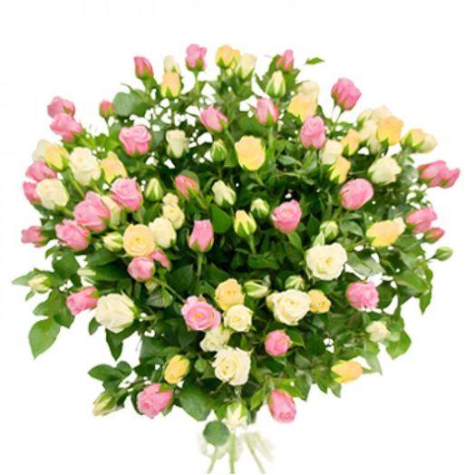 Букет из 15 разноцветных кустовых роз 50 см: букеты цветов на заказ Flowwow